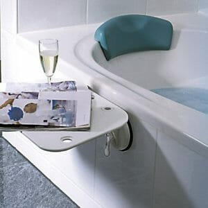 Badewanne mit Wannenverkürzer u Tablett