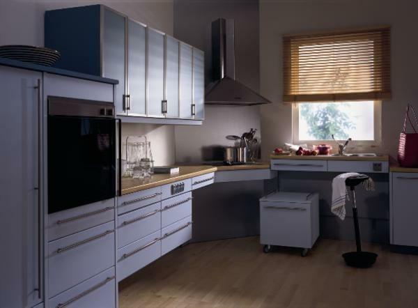 Hängeschrank zum runterziehen küchenschrank glastür badmöbel