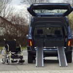 Rollstuhlrampe Auto Klappbar Ausgeklappt Am Auto