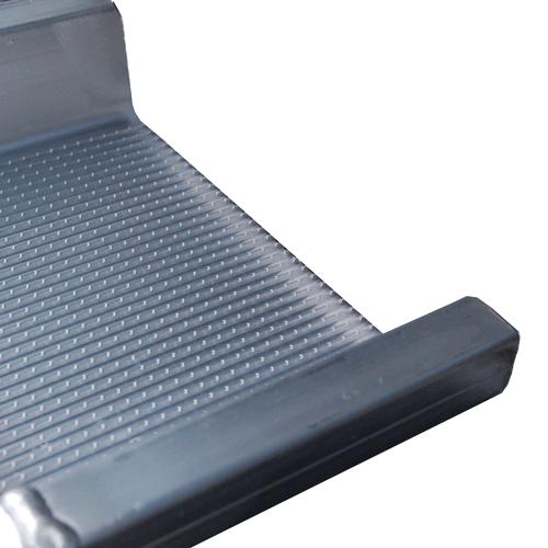 Rollstuhlrampe mobil klappbar 2-teilig Detail Auflage oben seitlich