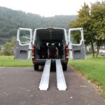 Rollstuhlrampe Mobil Klappbar 3 Teilig Am Auto Frontal