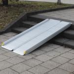 Rollstuhlrampe / Kofferrampe Alu Auf Treppe