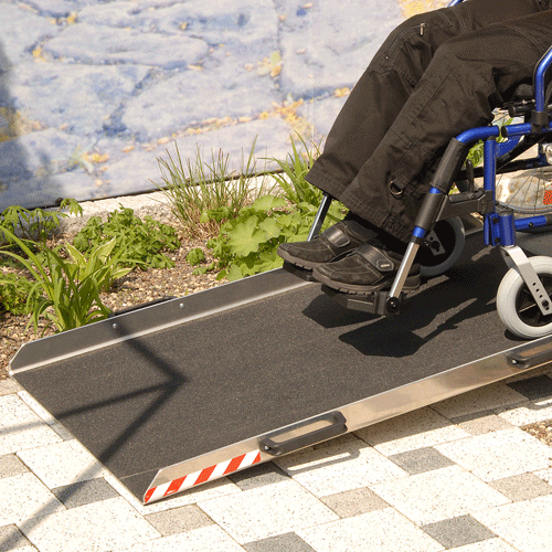 Rollstuhlrampe Keilbrücke variabel Nutzung von oben 1