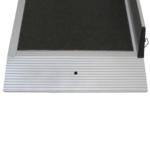 Rollstuhlrampe / Flächenrampe 2 Teilig Detail Auflage Mit Befestigungsloch