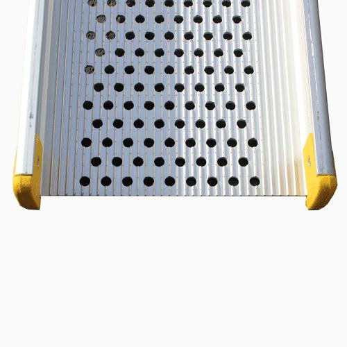 Rollstuhlrampe / Teleskoprampe 3- teilig Detail rutschfeste Oberfläche