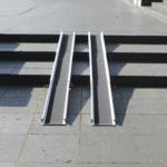 Rollstuhlrampe / Teleskoprampe Breit 3 Teilig Auf Treppe Frontal