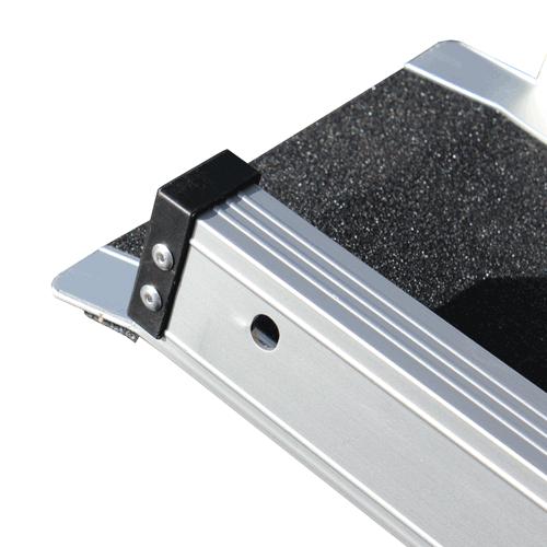 Rollstuhlrampe / Teleskoprampe breit 3-teilig Detail Auflage oben