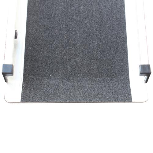 Rollstuhlrampe / Teleskoprampe breit 3-teilig Detail rutschfeste Fahrfläche