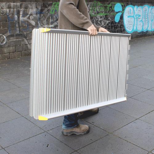 Rollstuhlrampe / Flächenrampe klappbar leicht Transport