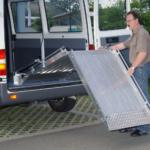 Rollstuhlrampe / Flächenrampe Auto 2 Teilig Ausklappvorgang