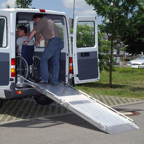 Rollstuhlrampe / Flächenrampe Auto 2-teilig Rollstuhl rausfahren