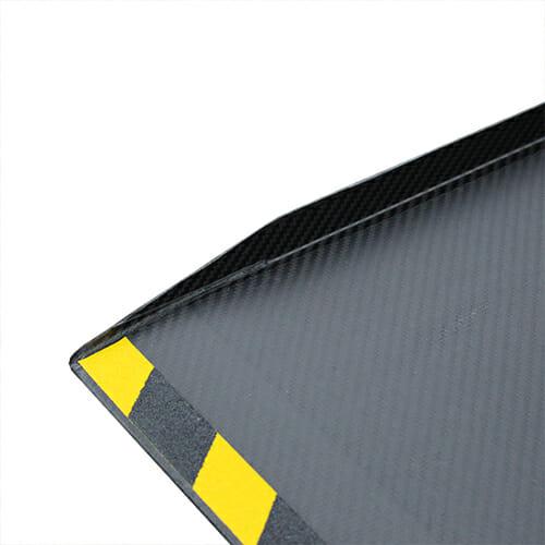 Rollstuhlrampe / Kofferrampe extrem leicht Detail Aufkantung