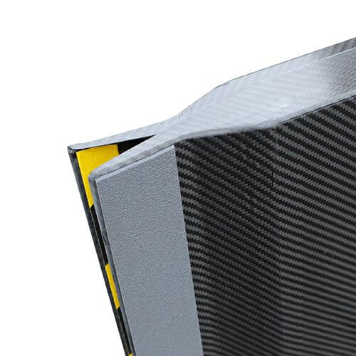 Rollstuhlrampe / Kofferrampe extrem leicht Detail Gummiauflage