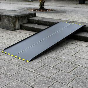 Rollstuhlrampe / Kofferrampe extrem leicht diagonal